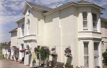 Well appointed self catering holiday apartments