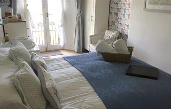 Room 2, Headland View, Babbacombe, Torquay, Devon